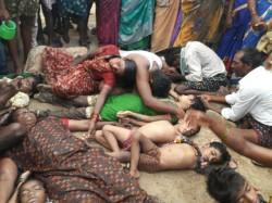 Boat Capsize Leaves 13 Dead Andhra Pradesh