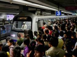 Porn Shock Metro Travellers At Delhi S Rajiv Chowk