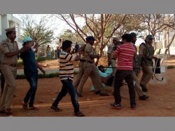 Police Was Attacked Again At Bankura Husband Was Accused Wife Murder