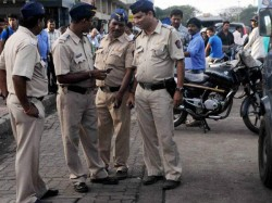 Police May Be Fined Rs 250 Day Or Rs 5 000 Failing Deliver