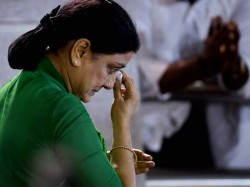 Sasikala Ousted From Aiadmk Panneerselvam Has Last Laugh At Tamil Nadu