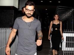 Ipl 2017 Anushka Sharma Flies Bangalore Spend Time With Injured Virat Kohli