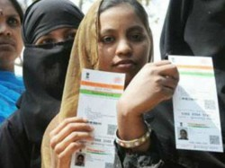 Aadhaar Can Be Made Mandatory Under The Law Centre Tells Supreme Court