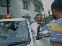 Wb Minister Arup Biswas Uses Red Beacon Says Not Bound Centre S Orders