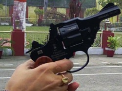 Uttar Pradesh Woman Abducts Lover At Gunpoint From His Wedding