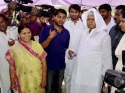 Lalu Prasad Yadav Comes Forward Defend Rabri Devi Over Sanskari Bahu Row