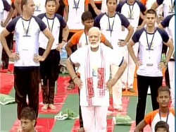Pm Modi Performs Yoga At Lucknow S Ramabai Ambedkar Maidan