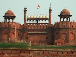 India S Red Fort Shown As Lahore S Shalimar Gardens At Sco Meet