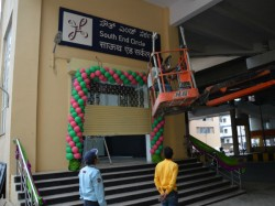 Bangalore Metro Is A Spot Use Hindi Their Signboard