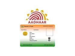 Link Aadhaar With Pan Using Sms I T Department Urges Taxpayers