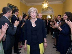 Uk Elections Polls Show Pm May Set Boost Majority