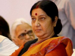 Sushma Slams Sartaj Aziz Not Acknowledging Her Letter Visa Request
