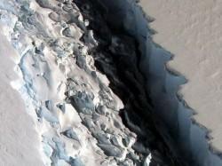 Massive Antarctic Iceberg S Images Revealed Nasa