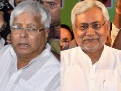 Lalu Wants More Time Sonia Intervenes Between Lalu Nitish