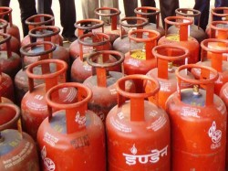 Lpg Cylinder Prices Go Up Every Month Rs 4 Subsidy End March
