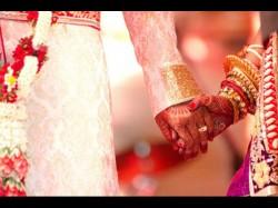 Madhya Pradesh Old Live In Couple 50 Years Marries Moksha