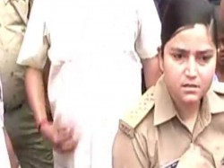 Transfer Woman Police Officer Up Arrest Bjp Workers