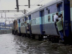 Some Trains Are Returning Back Howrah Sealdah Due Flood