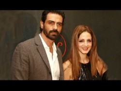 Sussanne Khan Likes Arjun Rampal S Daddy Motion Poster Are The Two Friends Again