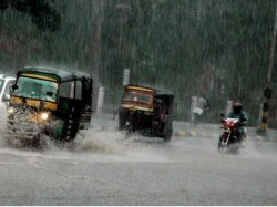 Heavy Showers Drench Delhi Ncr More Rain Expected Tomorrow