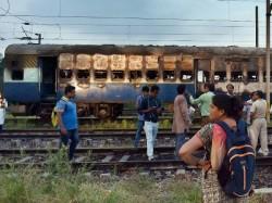 Railways Lose Rs 27 61 Crores Fear Dera Violence