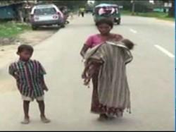 After Jharkhand Hospital Denies Ambulance Child Dies Mother S Lap