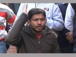 Sfi Abvp Clash At Jadavpur During Kanhaiya Kumar S Speech