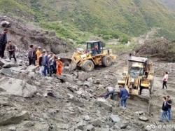 Monster Landslide Himachal Buries Vehicles 50 Dead