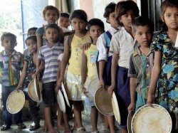 Midday Meal Complaint At Balurghat School Locals Locks School Teachers