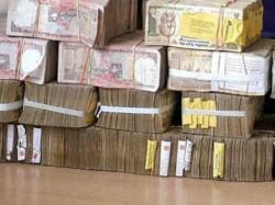 Demonetised Notes Not Shredded Are Still Lying Banks Says Dna Report