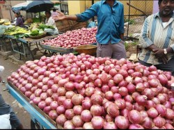 Onion Price Rises Kolkata Market The Rainy Season