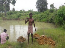 Chhattisgarh Man Gifts His Dry Village Pond After Digging It Up For 27 Years