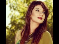 Bangladeshi Model Risila Binte Wazer Commits Suicide