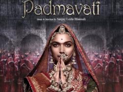 Deepika Padukone New Look Padmavati Poster Bowled It S Viewer