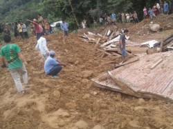 Many Are Died Sikkim Hitting Landslide