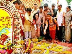 Life Death Is The Durga Puja Theme Naktala Udayan Sangha Kolkata