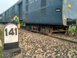 Coaches Shaktipunj Express Derails Up No Casualties Reported
