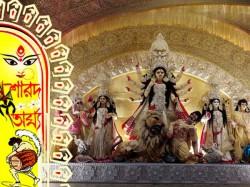 Mudiali Club Kolkata Surprises The Devotees Durga Puja