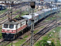 Railway Recruit For1lakh Vacant Post Rail Safety