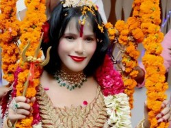 Radhe Maa S New Dancing Video Goes Viral On Social Media Sit