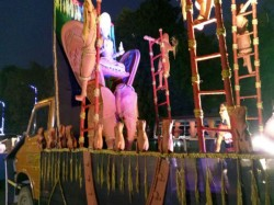 Kolkata Traffic May Halt Over Durga Puja Carnival