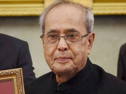 Sonia Gandhi Was Upset Over Pranab S Meeting With Bal Thakray
