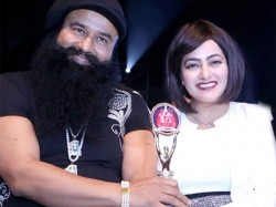 Both Ram Rahim Honeypreet Refuses Sweets Diwali