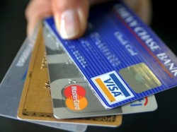 Why You Should Not Use Debit Card Shopping Online Know The Reason