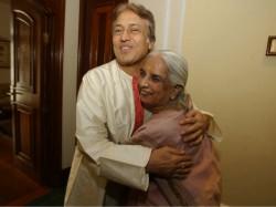 Ustaad Amjad Ali Khan Pays Tribute Queen Thumri Girija Devi