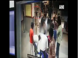 Cisf Officer Opens Fire Control Scuffle At Azadpur Metro Station