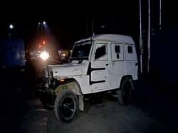 Militants Attack Crpf Vehicle Srinagar