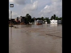Heavy Rain Jharkhand Triggers Flood Situation West Bengal Again