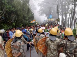 Centre Withdraw 7 Company Para Military Force From Darjeeling