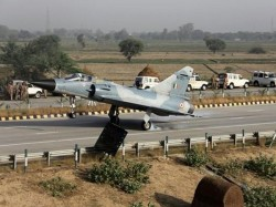 Cargo An 32 Super Hercules Aircraft Touch Down Expressway This Morning